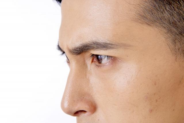 男性が眉毛濃くする方法ってある?50代になったら薄くなって困った。